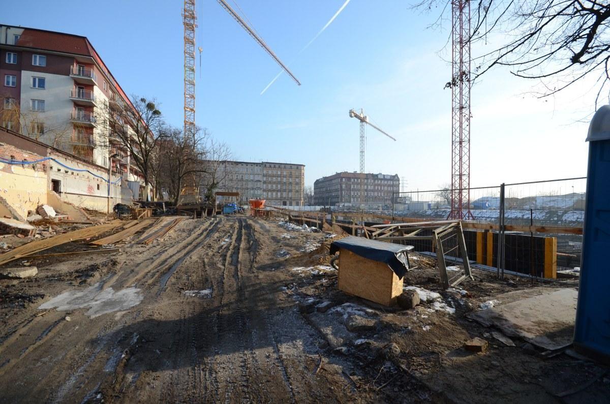 nowe bloki mieszkalne w śródmieściu Wrocławia